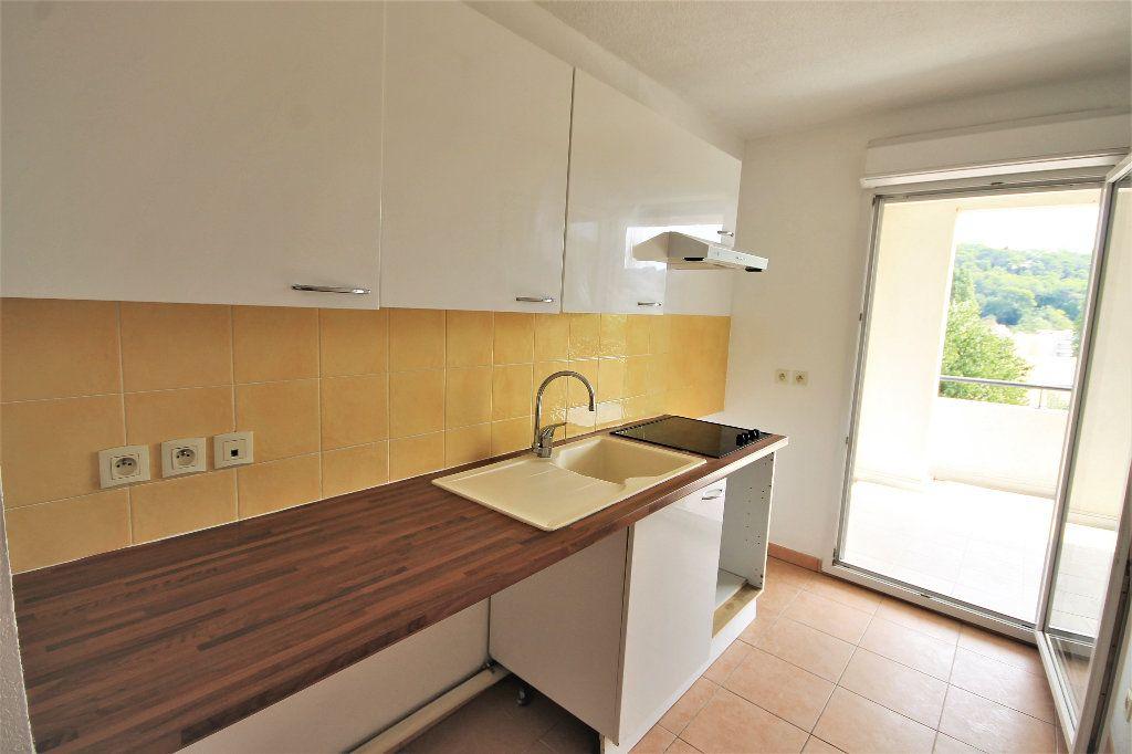 Appartement à louer 2 42m2 à Cannes vignette-3