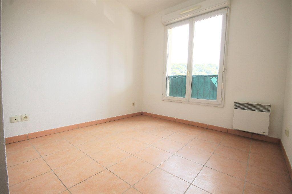 Appartement à louer 2 42m2 à Cannes vignette-4