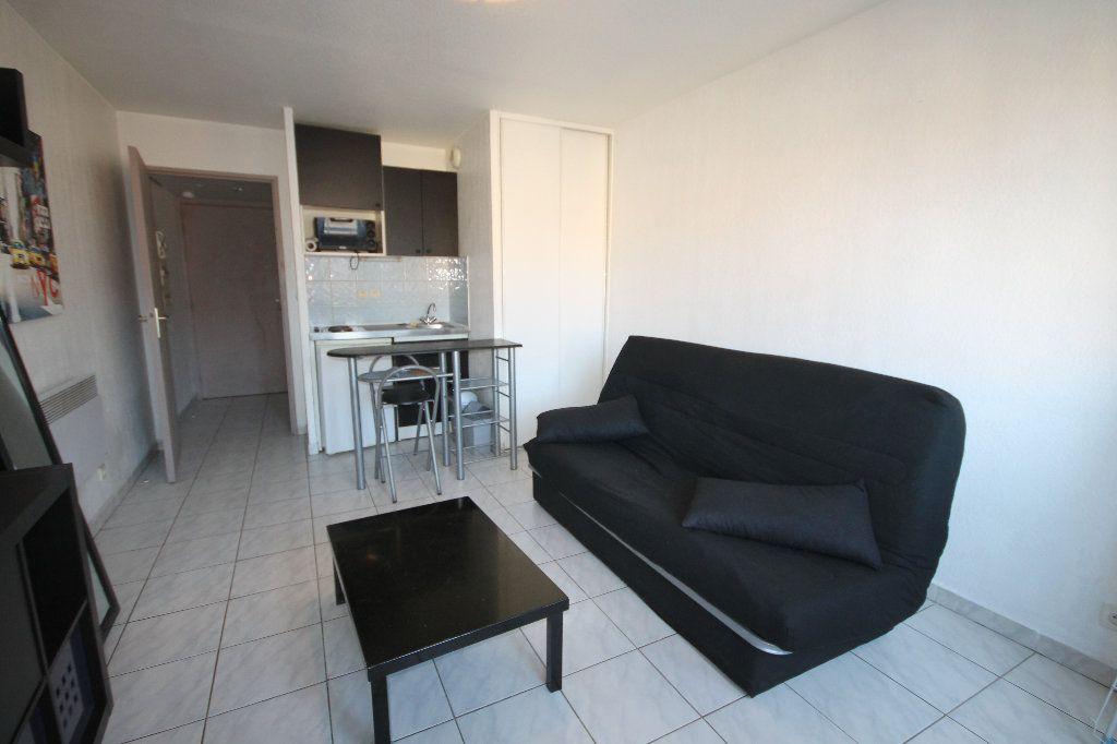 Appartement à louer 1 21.45m2 à Cannes vignette-1