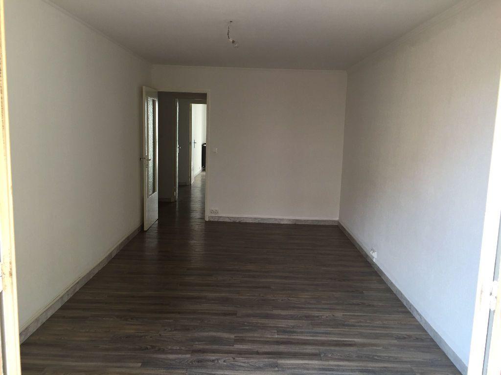 Appartement à louer 2 59.61m2 à Juan-les-Pins - Antibes vignette-4