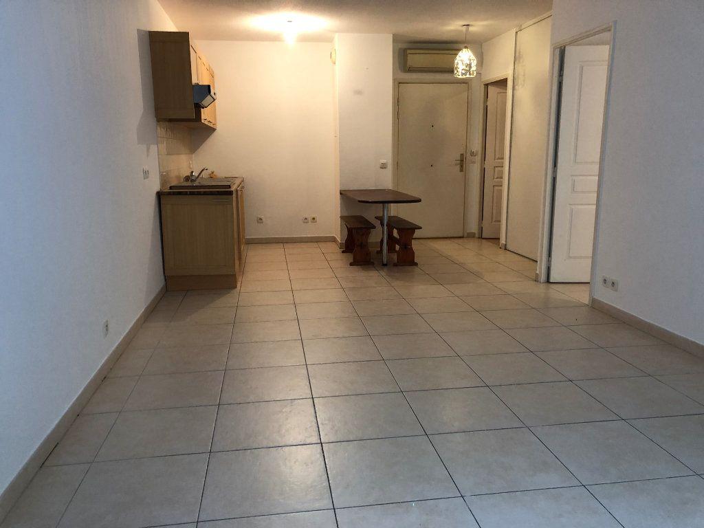 Appartement à louer 2 42.23m2 à Juan-les-Pins - Antibes vignette-12