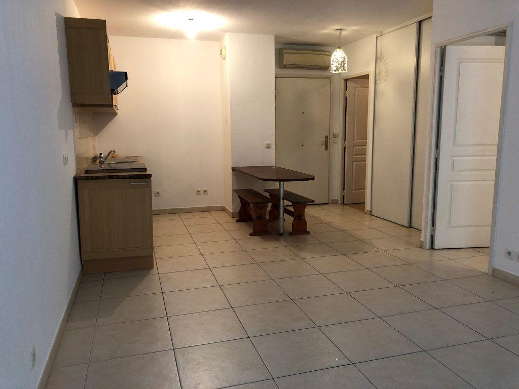 Appartement à louer 2 42.23m2 à Juan-les-Pins - Antibes vignette-14