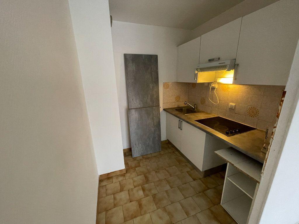 Appartement à louer 2 58.26m2 à Juan-les-Pins - Antibes vignette-4