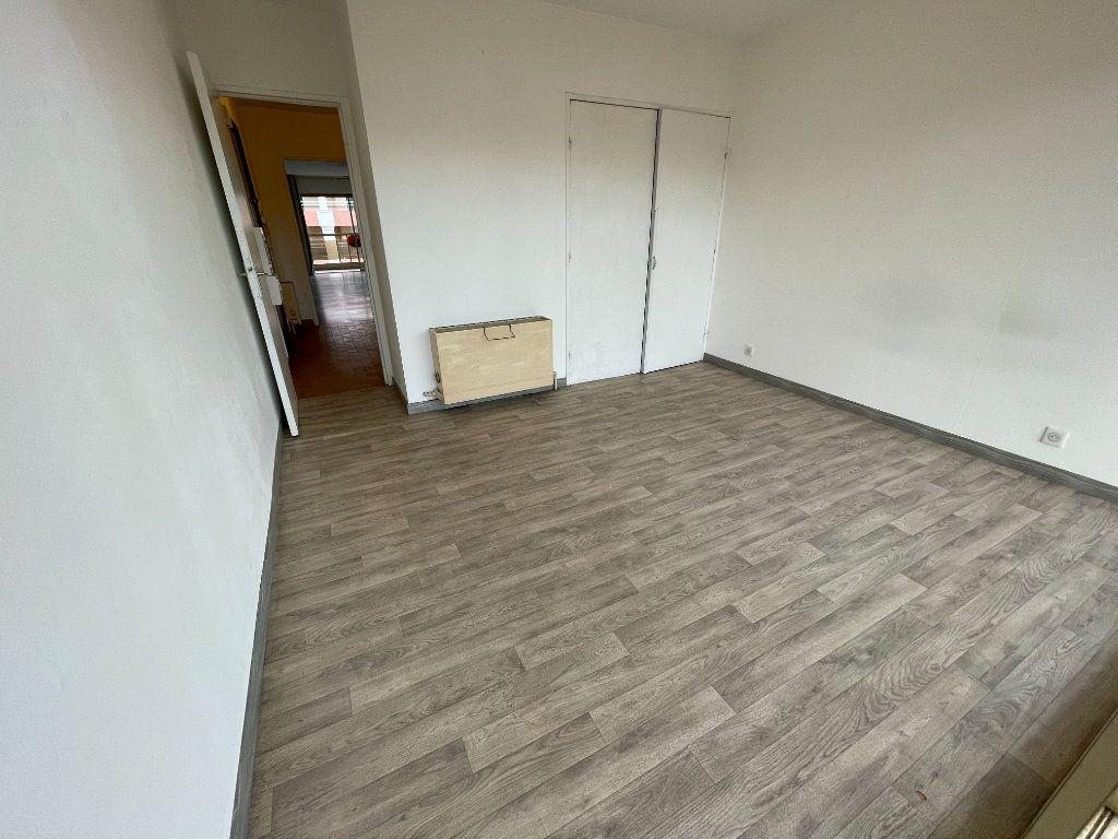 Appartement à louer 2 58.26m2 à Juan-les-Pins - Antibes vignette-5