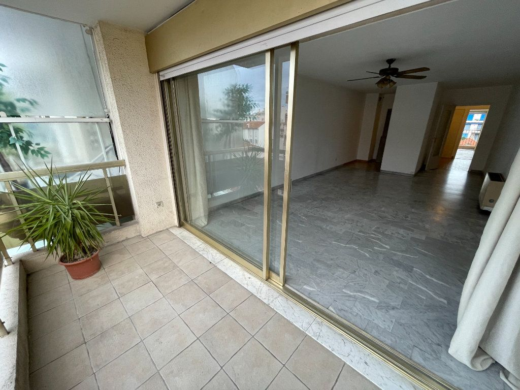Appartement à louer 2 58.26m2 à Juan-les-Pins - Antibes vignette-8