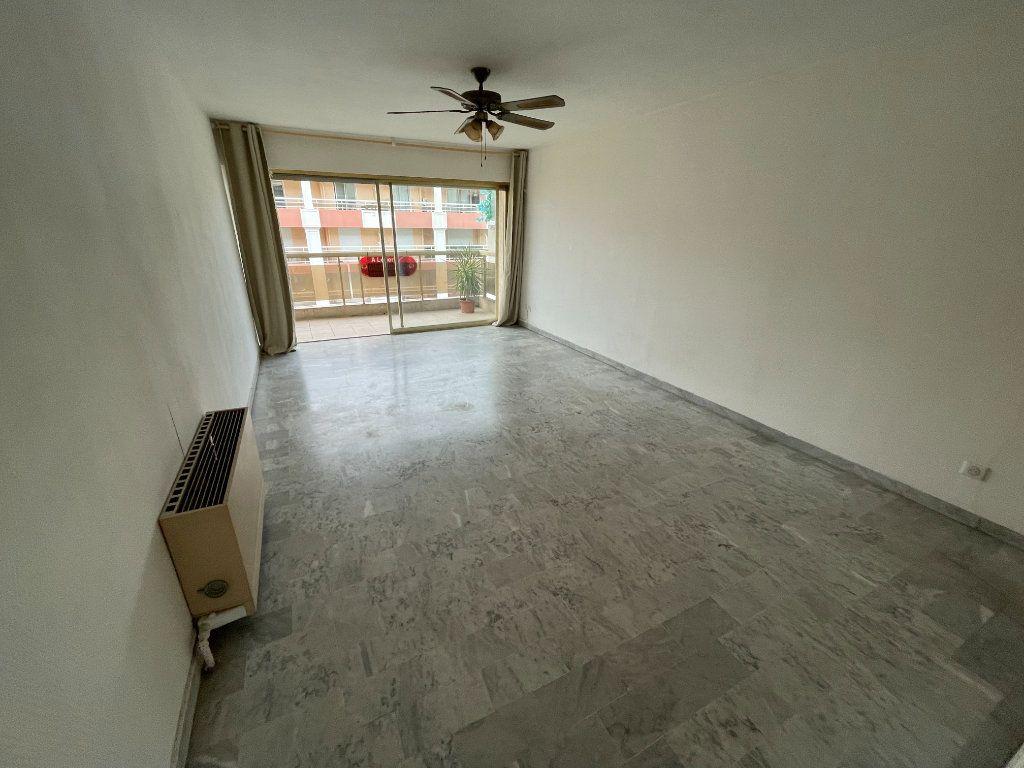 Appartement à louer 2 58.26m2 à Juan-les-Pins - Antibes vignette-10