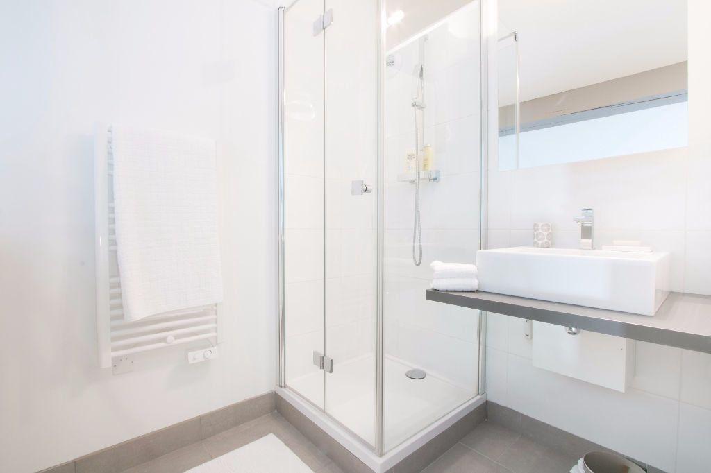 Appartement à louer 2 49.54m2 à Vallauris vignette-3