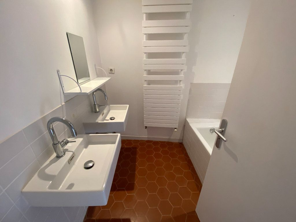 Appartement à louer 4 93.08m2 à Grasse vignette-16