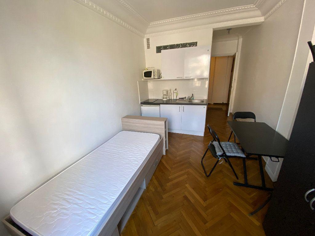 Appartement à louer 1 18.61m2 à Juan-les-Pins - Antibes vignette-1