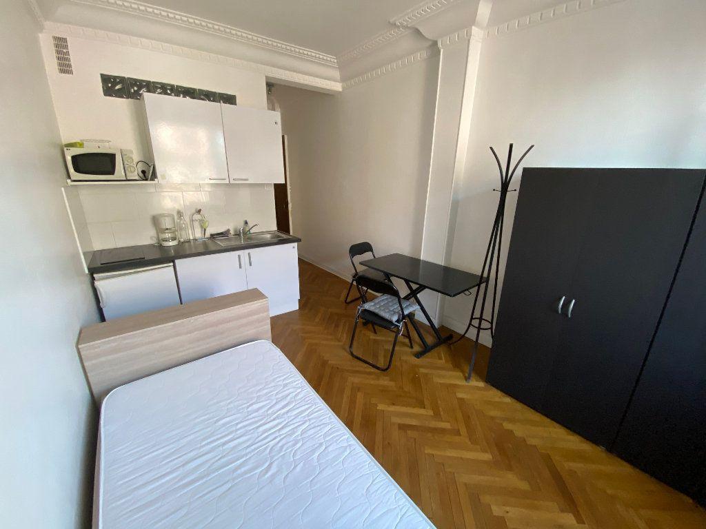 Appartement à louer 1 18.61m2 à Juan-les-Pins - Antibes vignette-7