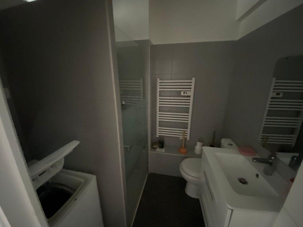 Appartement à louer 1 18.61m2 à Juan-les-Pins - Antibes vignette-8