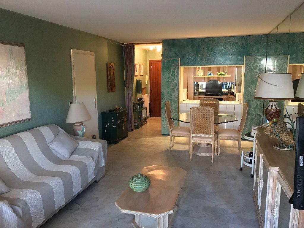 Appartement à louer 2 49.76m2 à Juan-les-Pins - Antibes vignette-2