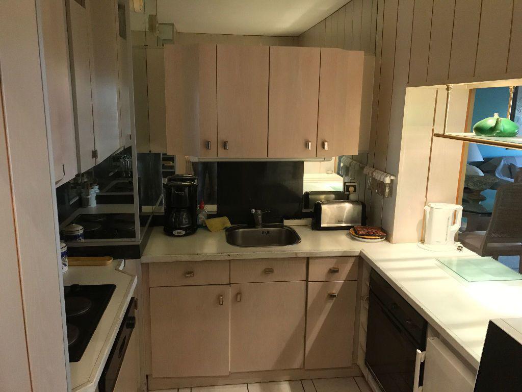 Appartement à louer 2 49.76m2 à Juan-les-Pins - Antibes vignette-4