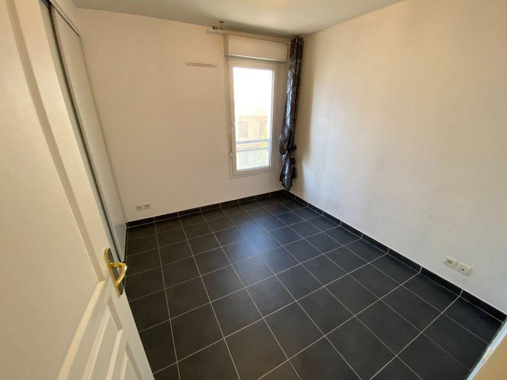 Appartement à louer 3 69.23m2 à Antibes vignette-12