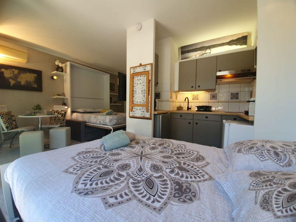 Appartement à louer 1 26.18m2 à Cannes vignette-5