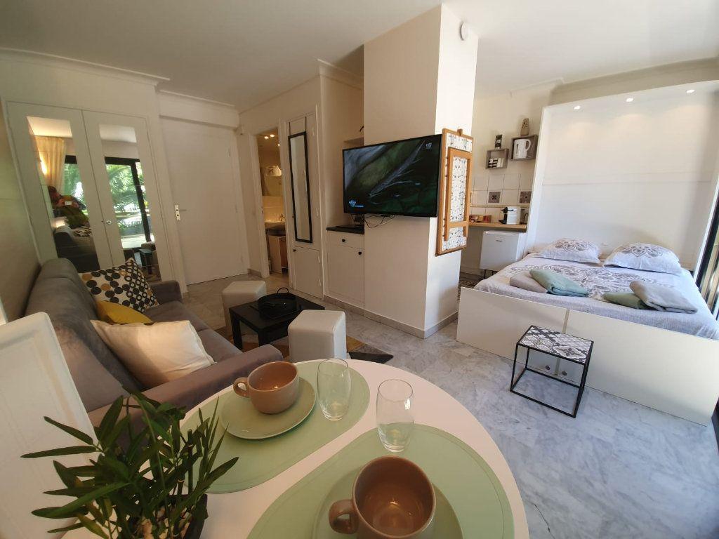 Appartement à louer 1 26.18m2 à Cannes vignette-9