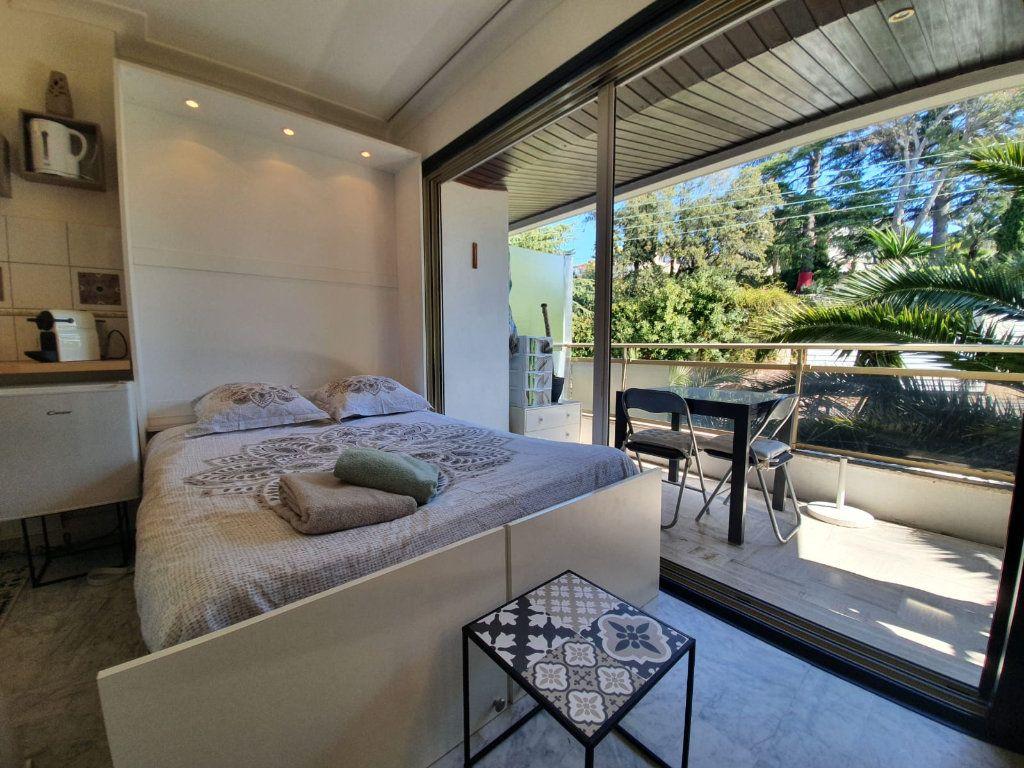 Appartement à louer 1 26.18m2 à Cannes vignette-10