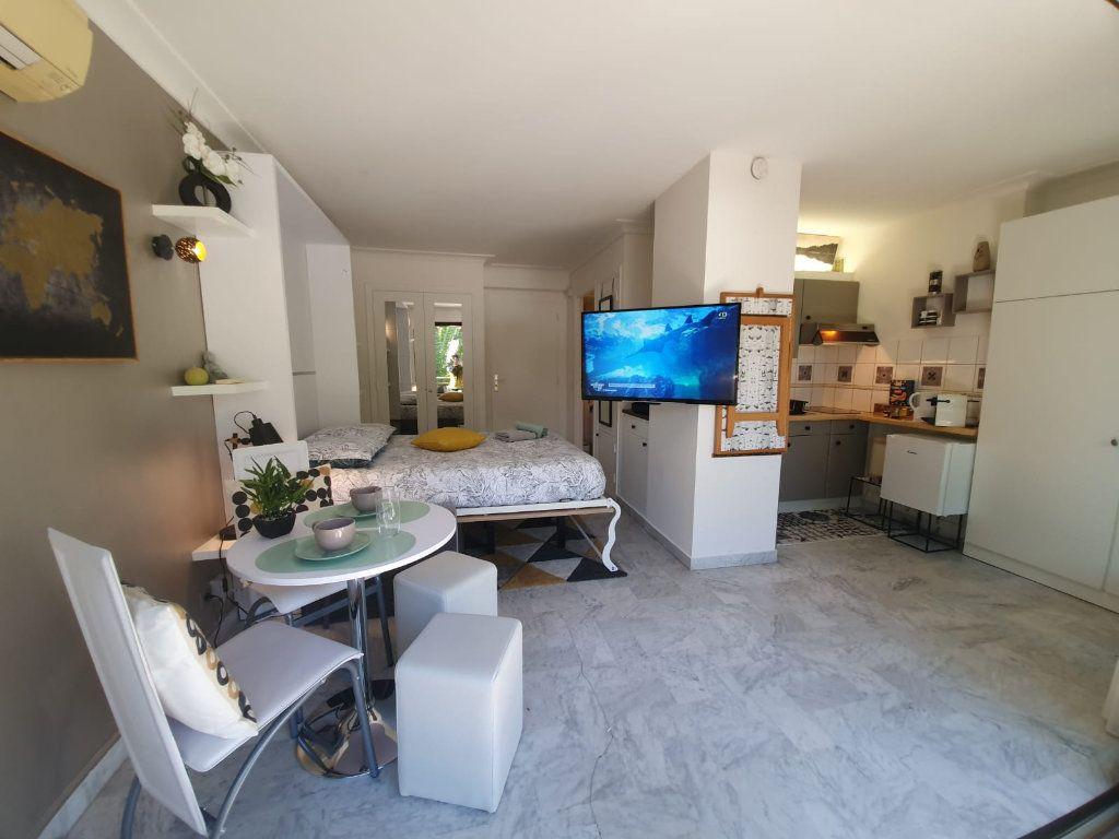 Appartement à louer 1 26.18m2 à Cannes vignette-14