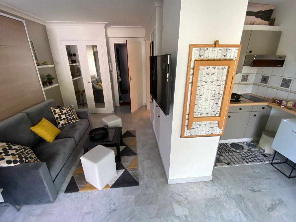 Appartement à louer 1 26.18m2 à Cannes vignette-16