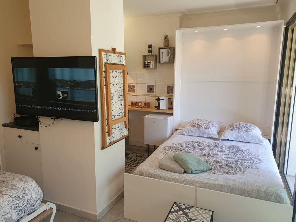 Appartement à louer 1 26.18m2 à Cannes vignette-18