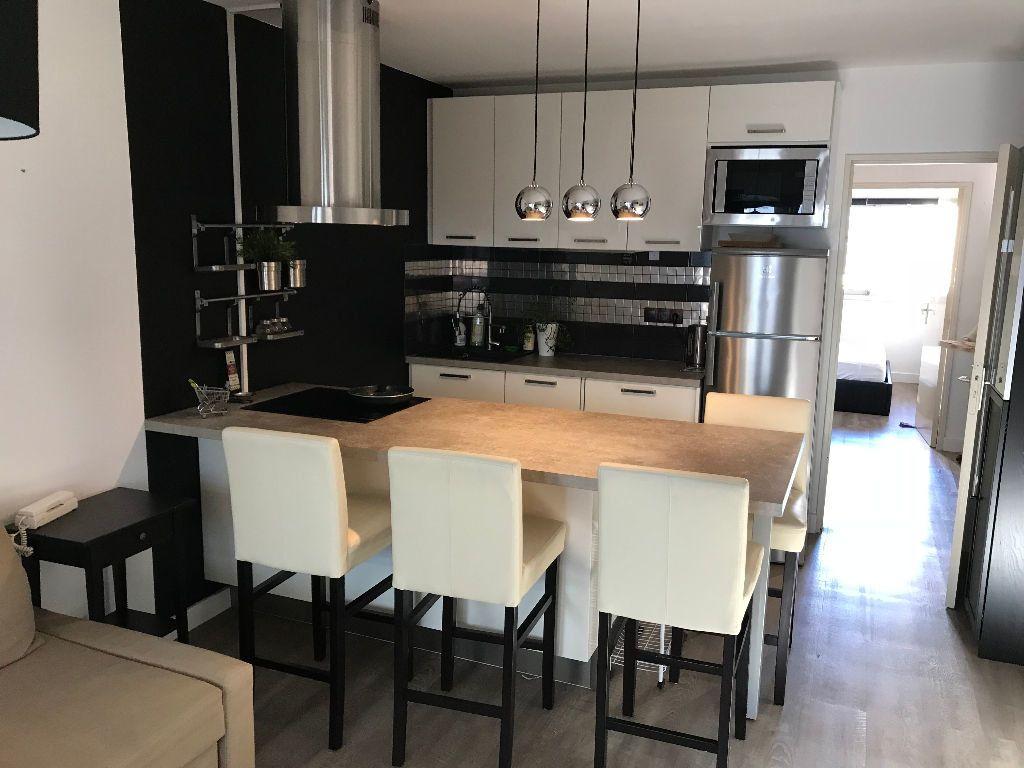 Appartement à louer 2 36.36m2 à Juan-les-Pins - Antibes vignette-3