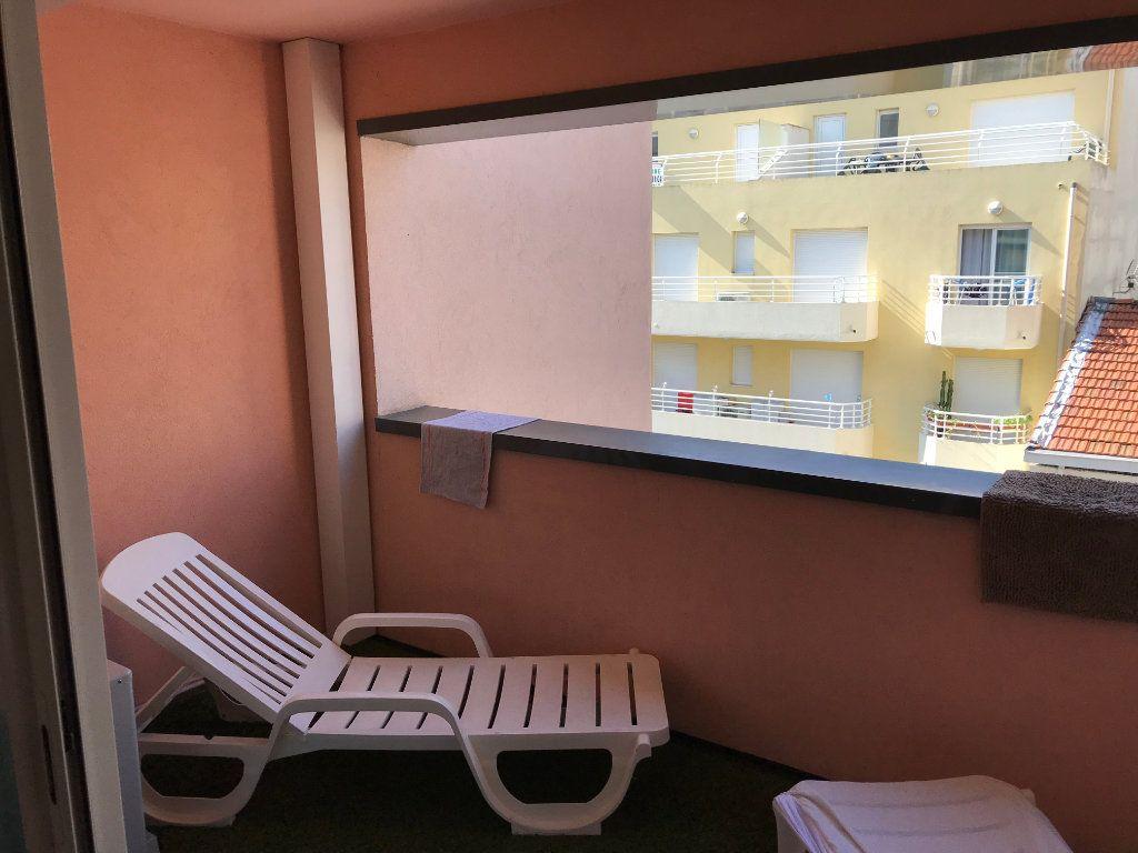 Appartement à louer 3 61.58m2 à Juan-les-Pins - Antibes vignette-7