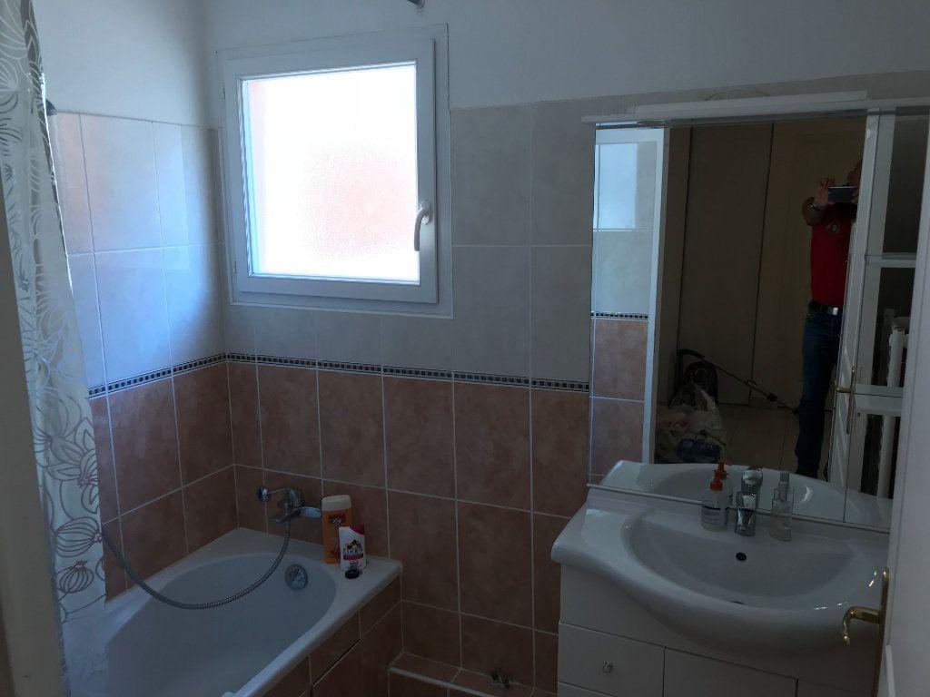 Appartement à louer 3 61.58m2 à Juan-les-Pins - Antibes vignette-8
