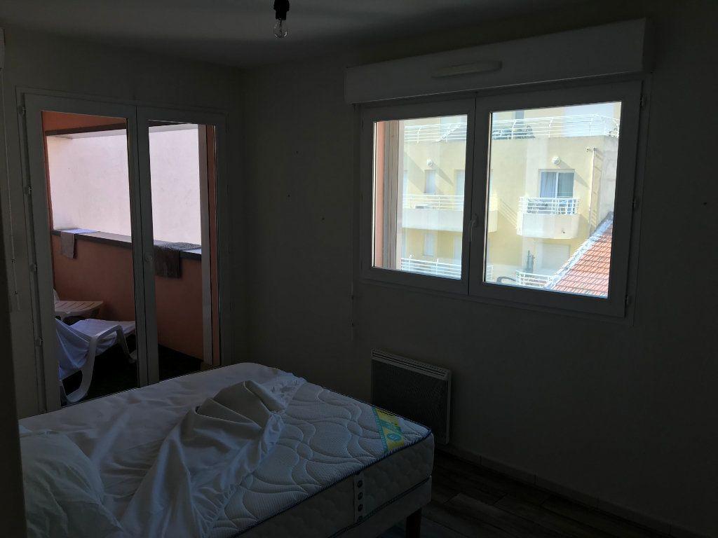 Appartement à louer 3 61.58m2 à Juan-les-Pins - Antibes vignette-9