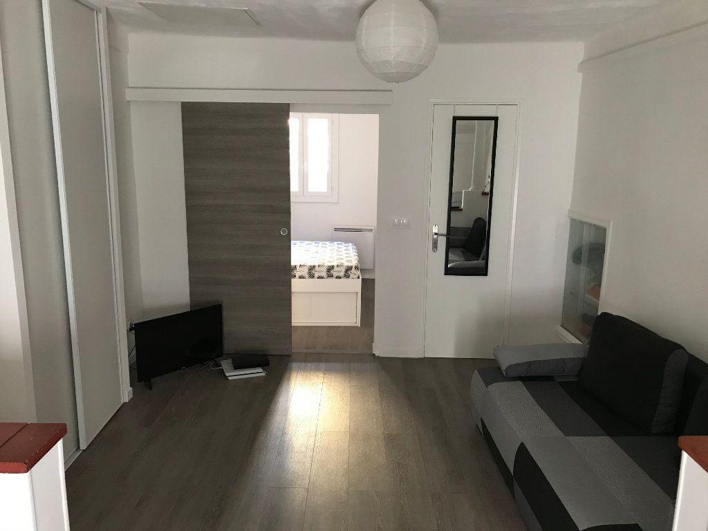 Appartement à louer 2 29.56m2 à Antibes vignette-1