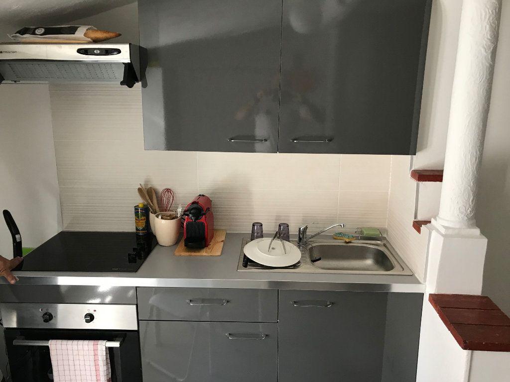 Appartement à louer 2 29.56m2 à Antibes vignette-3