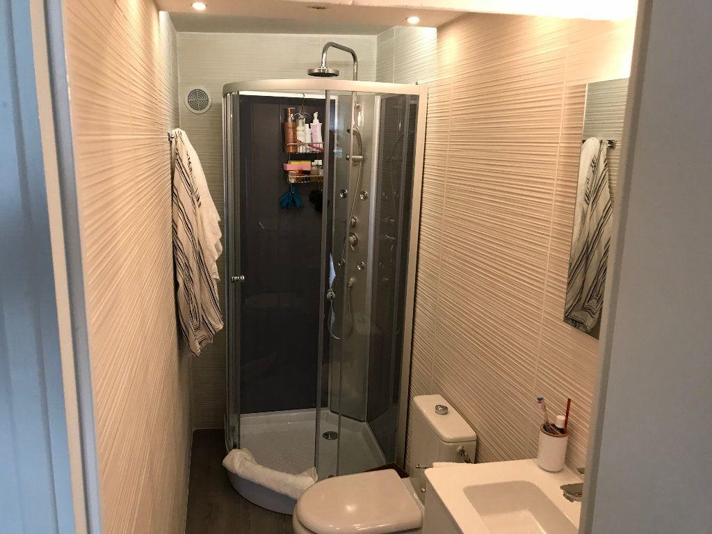 Appartement à louer 2 29.56m2 à Antibes vignette-5