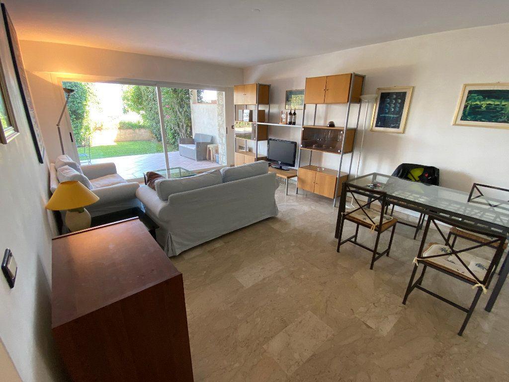 Appartement à louer 3 78.2m2 à Antibes vignette-2