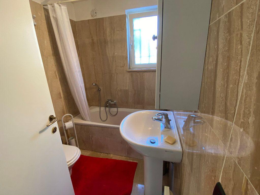 Appartement à louer 3 78.2m2 à Antibes vignette-5