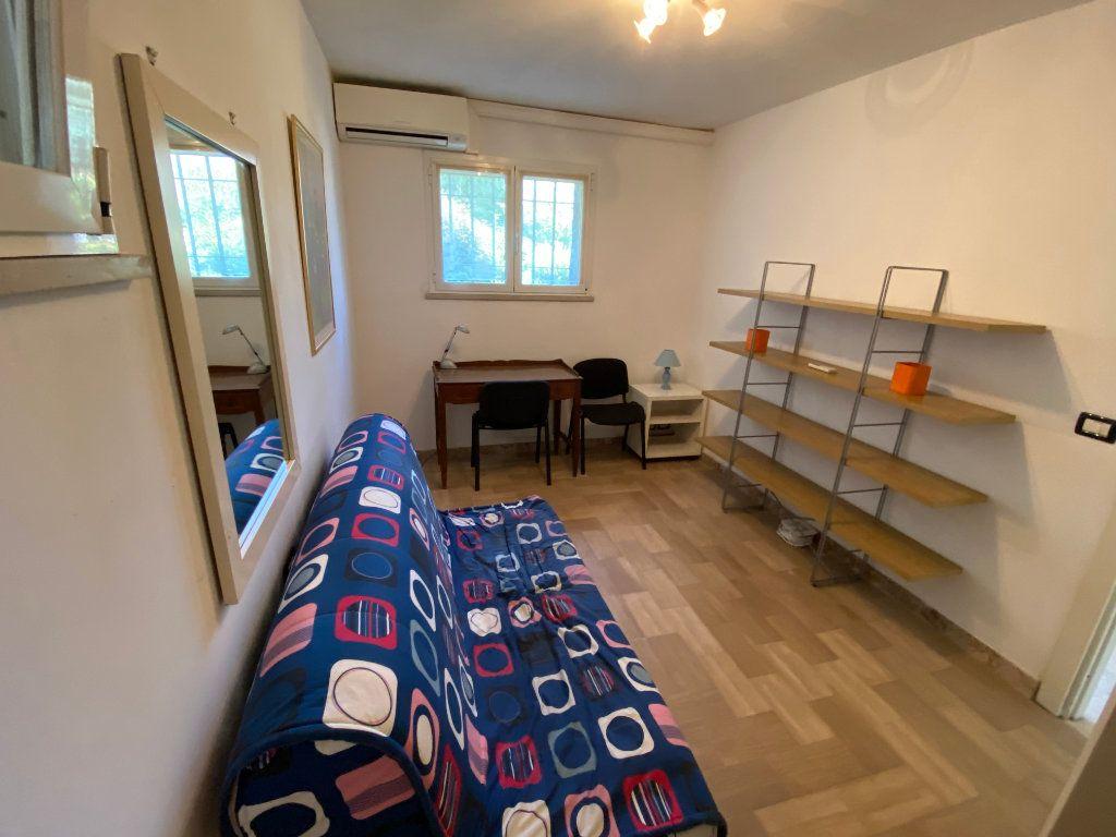 Appartement à louer 3 78.2m2 à Antibes vignette-6