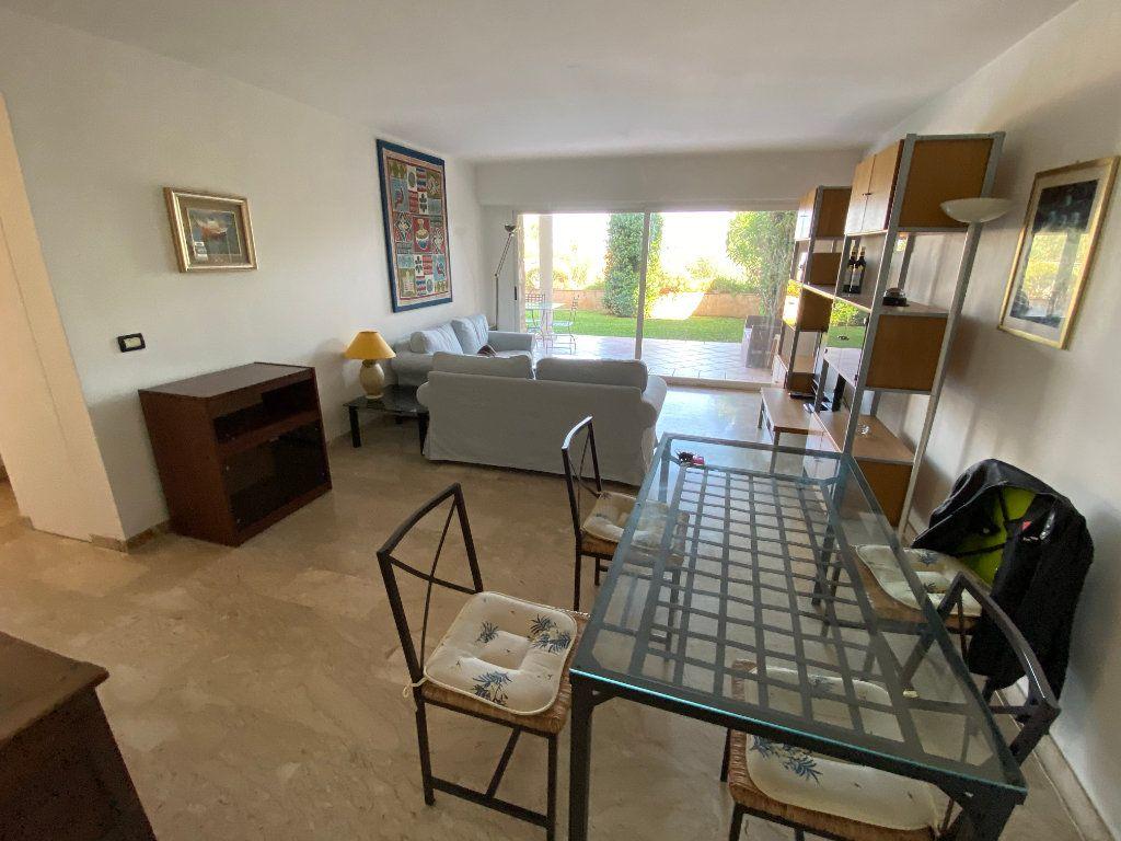 Appartement à louer 3 78.2m2 à Antibes vignette-11