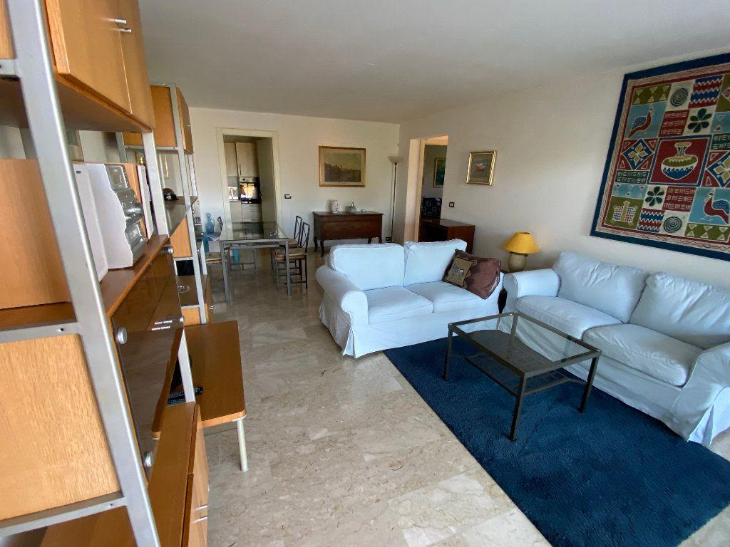 Appartement à louer 3 78.2m2 à Antibes vignette-13