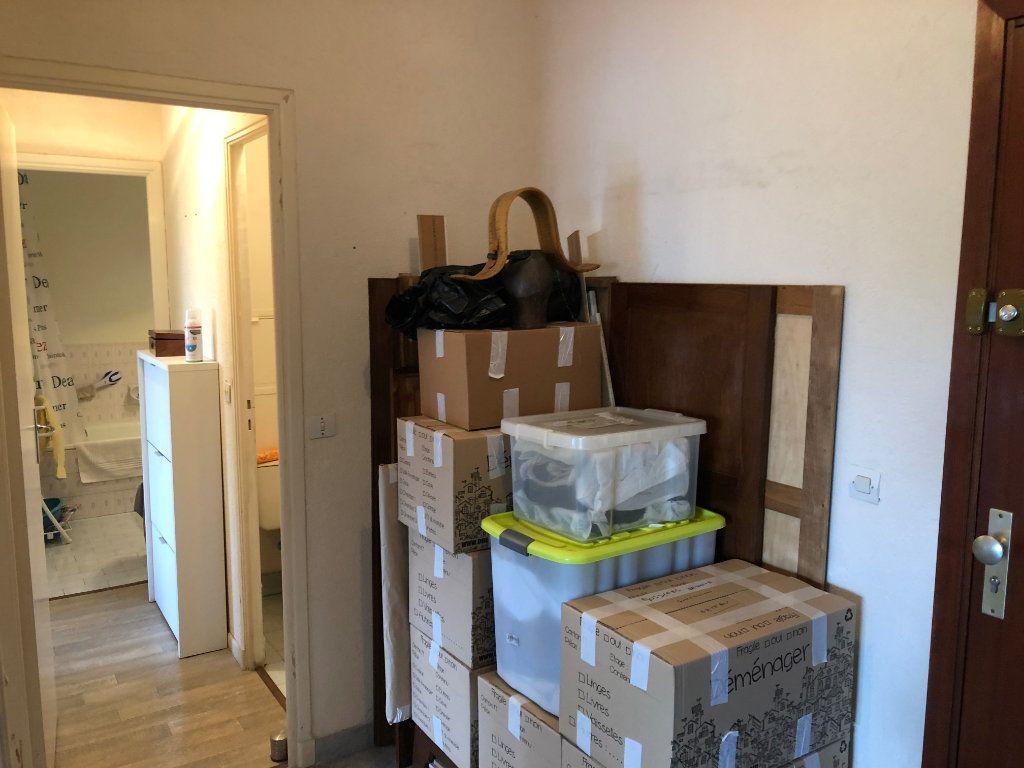 Appartement à louer 2 49.6m2 à Antibes vignette-14