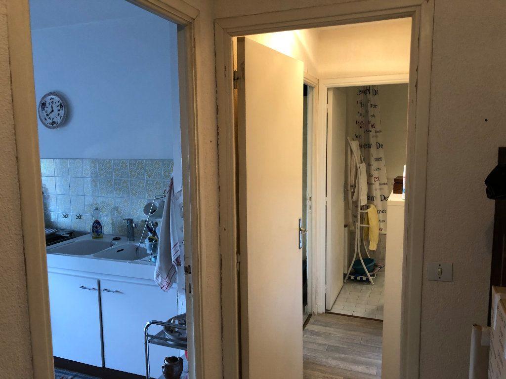 Appartement à louer 2 49.6m2 à Antibes vignette-15