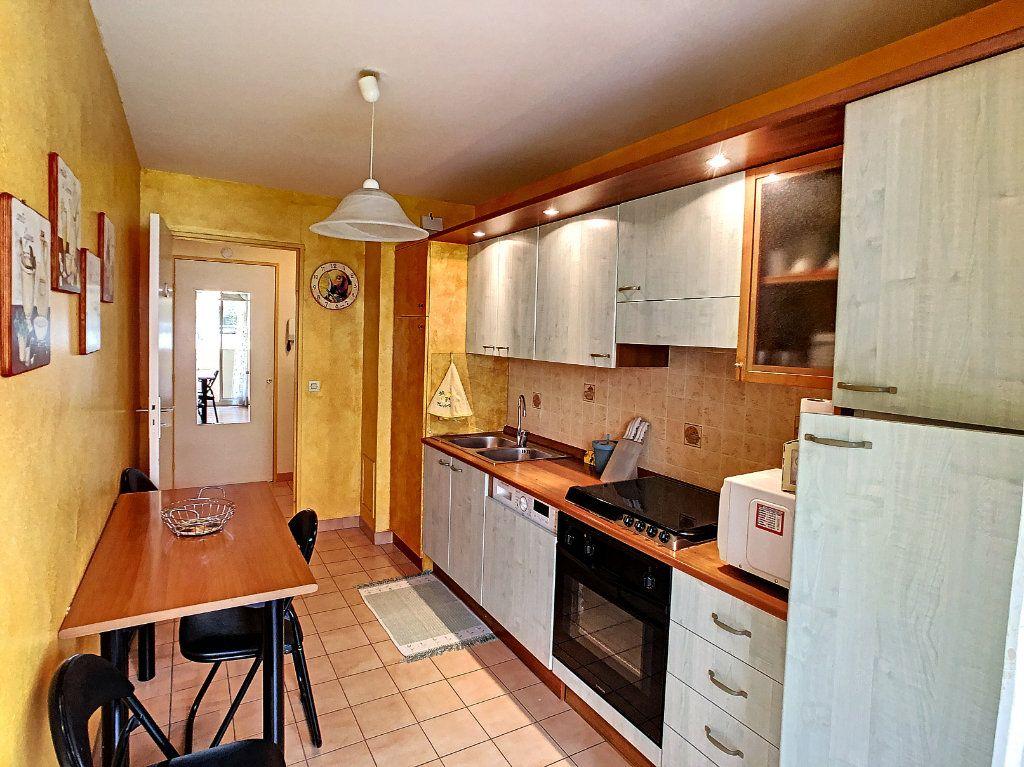 Appartement à vendre 2 52.8m2 à Juan-les-Pins - Antibes vignette-3