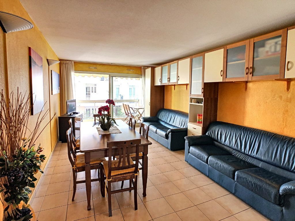 Appartement à vendre 2 52.8m2 à Juan-les-Pins - Antibes vignette-4