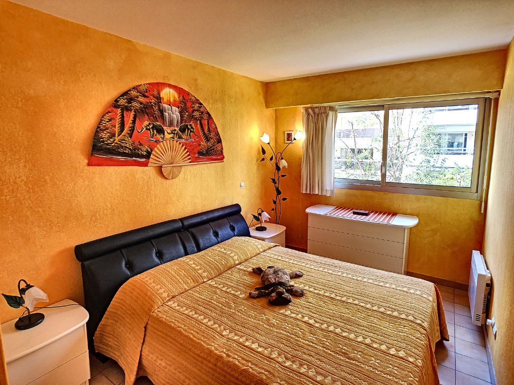 Appartement à vendre 2 52.8m2 à Juan-les-Pins - Antibes vignette-5