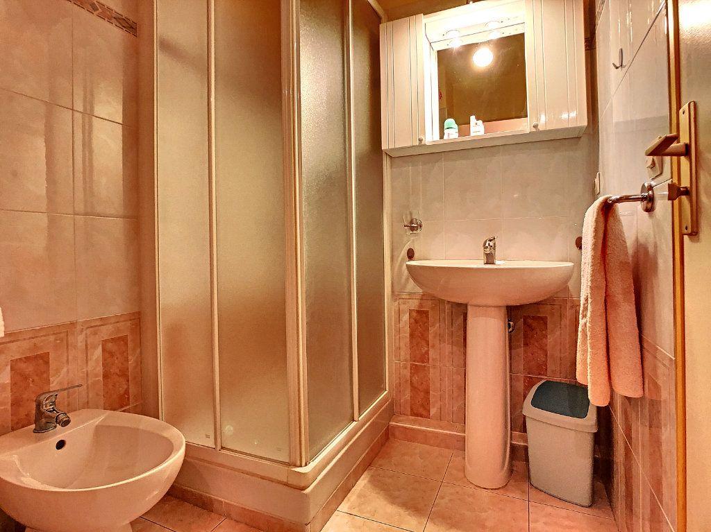 Appartement à vendre 2 52.8m2 à Juan-les-Pins - Antibes vignette-6