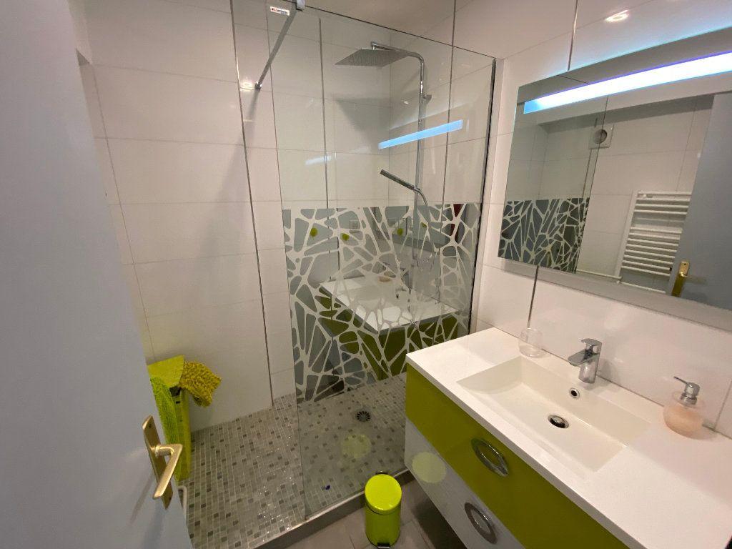 Appartement à louer 2 37.77m2 à Juan-les-Pins - Antibes vignette-6