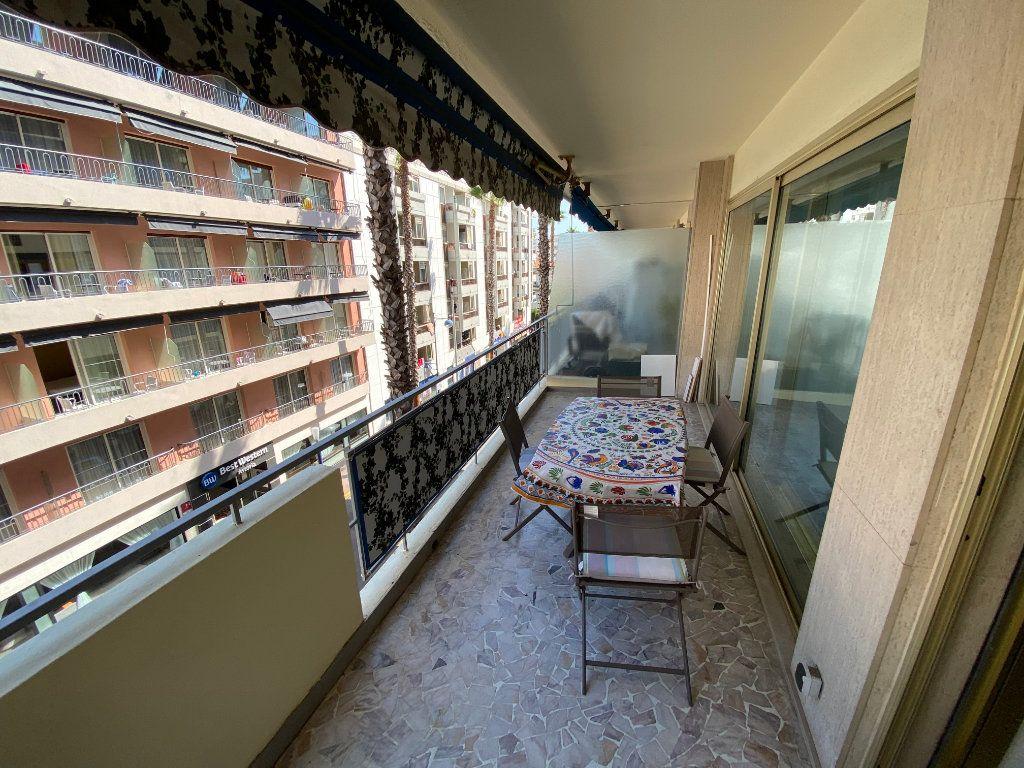 Appartement à louer 2 37.77m2 à Juan-les-Pins - Antibes vignette-8