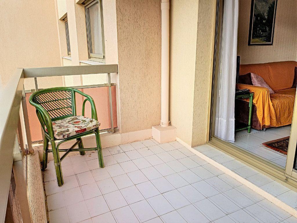 Appartement à vendre 3 51m2 à Juan-les-Pins - Antibes vignette-2