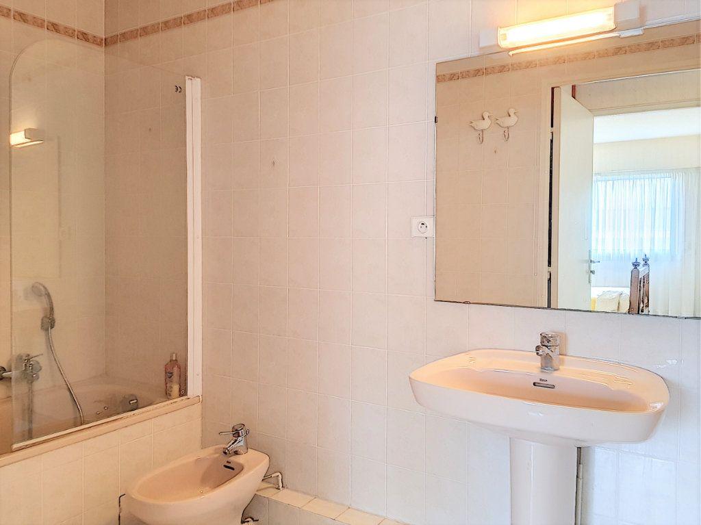 Appartement à vendre 3 51m2 à Juan-les-Pins - Antibes vignette-7