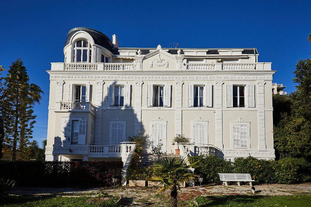 Appartement à vendre 3 94.77m2 à Cannes vignette-7