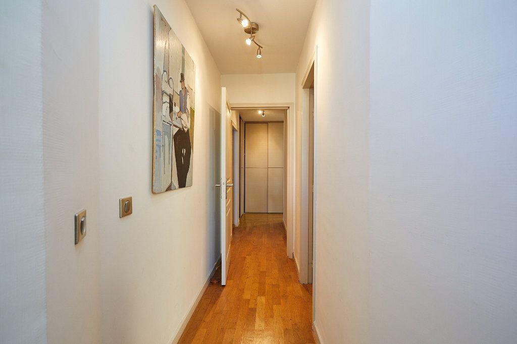 Appartement à vendre 3 94.77m2 à Cannes vignette-13