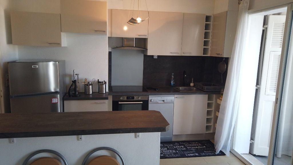 Appartement à louer 2 53.01m2 à Antibes vignette-3