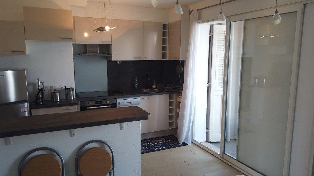 Appartement à louer 2 53.01m2 à Antibes vignette-8